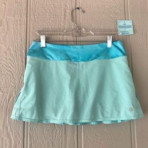 Lululemon | wet dry warm teal blue skirt pleats
